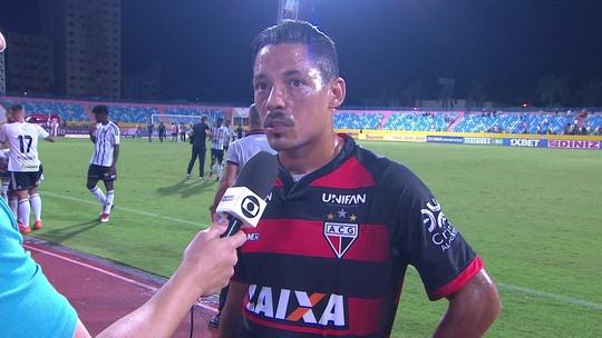 Tomas Bastos comenta derrota do Atlético-GO para o Figueirense