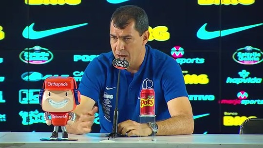 """Carille diz que Corinthians pode """"pensar alto"""" no Brasileirão e crava Gabriel como titular do time"""