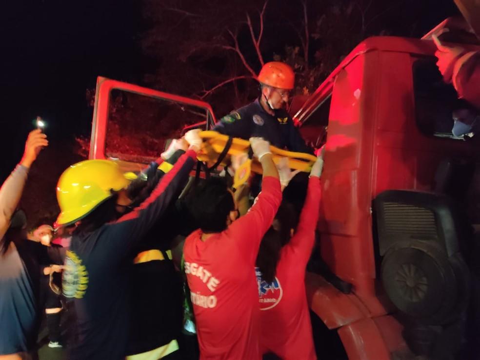 Homem fica preso em ferragens após acidente e é resgatado por socorristas voluntários no Piauí — Foto: Arquivo Pessoal