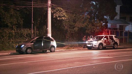 Roubo de carro em Carapicuíba termina em perseguição após assaltantes passarem por radar inteligente
