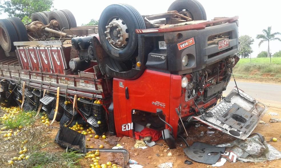 Apesar dos estragos, o motorista não se feriu  — Foto: Arquivo pessoal