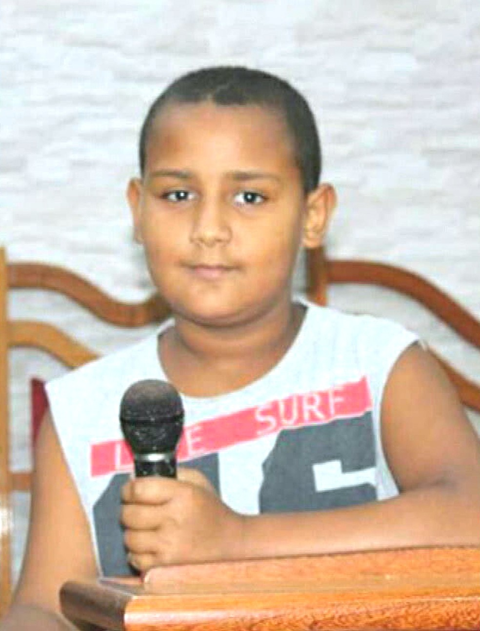 Leônidas da Silva Oliveira, de 12 anos, que morreu após ser baleado na porta de um supermercado na Avenida Brasil — Foto: Reprodução/TV Globo