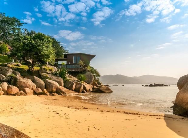 Propiedade única na praia, Florianópolis, Brasil (Foto: Airbnb/ Reprodução)