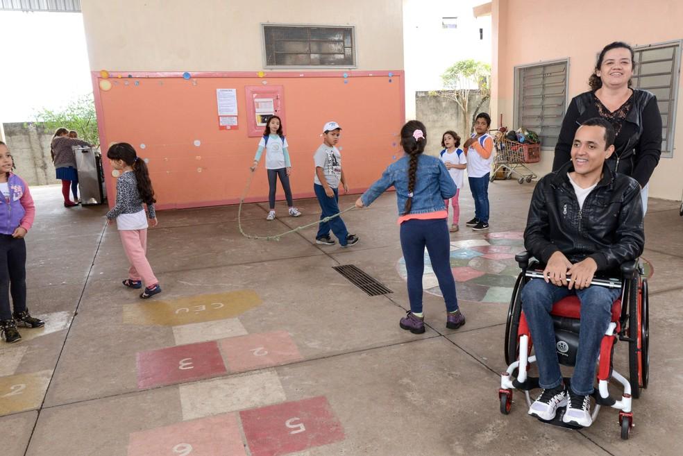 Escola passou por adaptações para receber professor (Foto: Prefeitura de Rio Claro/Divulgação)