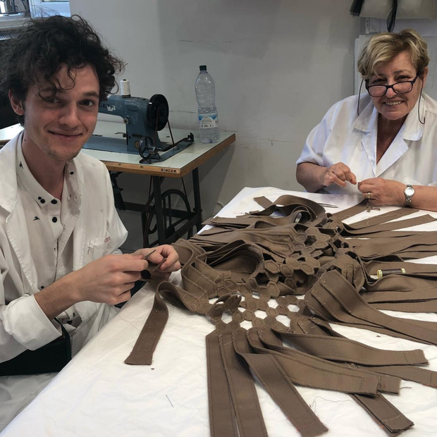 O ateliê da Valentino se prepara para o desfile de inverno 2019 alta-costura da grife (Foto: Instagram Pierpaolo Piccioli/ Reprodução)