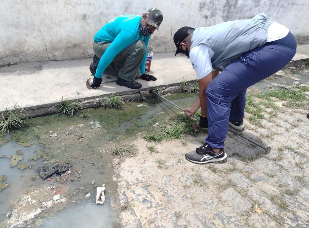Semurb inicia vedação de ligações que jogam água servida em ruas da Zona Norte de Natal
