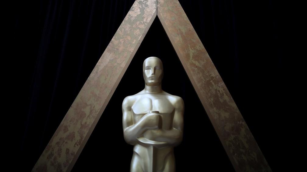 Estátua do Oscar é vista no Dolby Theatre, palco da cerimônia em Los Angeles (EUA) (Foto: Lucy Nicholson/Reuters)