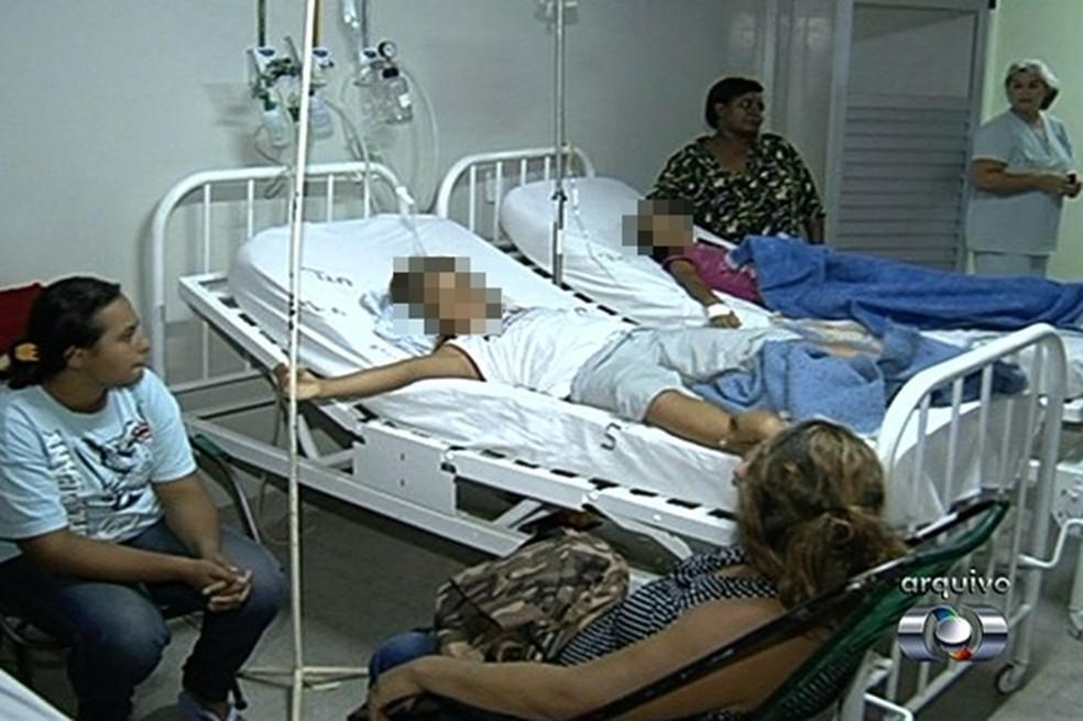Juiz determina assistência médica a nove alunos (Foto: Reprodução/TV Anhanguera)