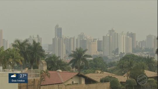 Campo Grande já registrou 768 incêndios em agosto e cidade fica encoberta com névoa seca