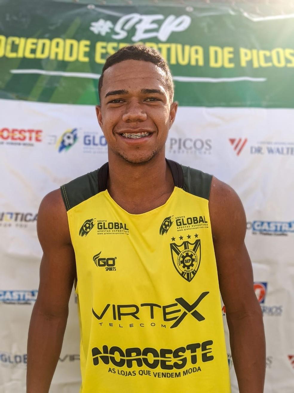 Wesley - Lateral Direito - Picos — Foto: Antônio Rocha