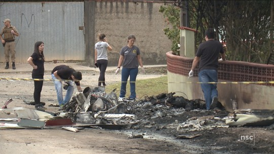 IGP identifica corpo do terceiro morto na queda de helicóptero sequestrado em Joinville