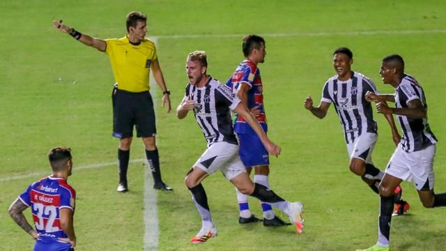 Klaus marcou o gol do Clássico-Rei do Nordestão