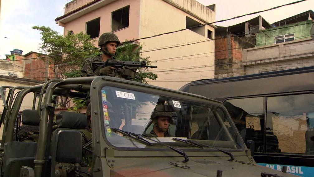 Fantástico - Exército no Rio (Foto: Reprodução/Fantástico)