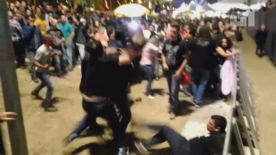 Briga generalizada interrompe show do Ira! em Sorocaba