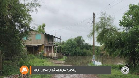 Rio Ibirapuitã fica acima do nível por causa das chuvaradas