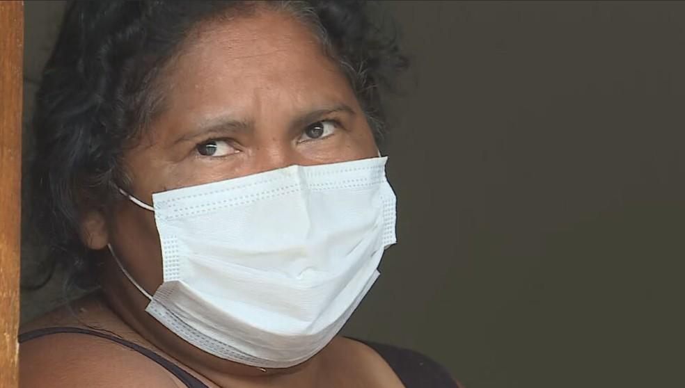 Solange Pereira pulou de ônibus e conseguiu se salvar  — Foto: Reprodução/TV Globo