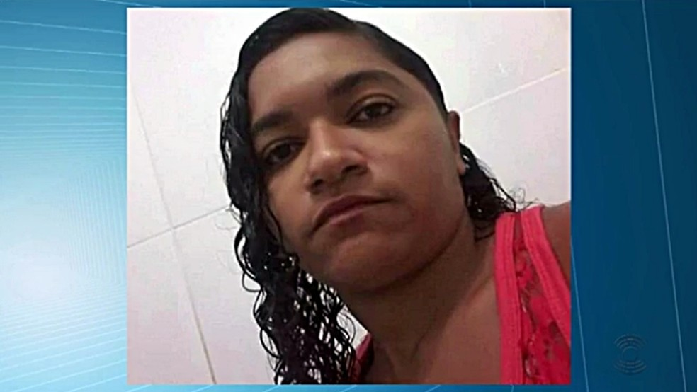 Homem ateou fogo em mulher dentro de um bar na cidade de Catolé do Rocha, PB (Foto: Reprodução/TV Cabo Branco)