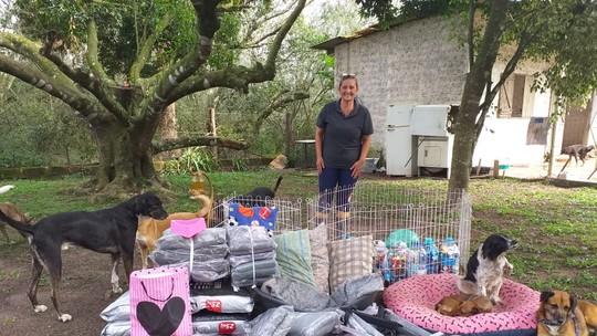Protetora de animais comemora carinho e doações recebidas após o 'Posso Entrar?': 'Foi gratificante'