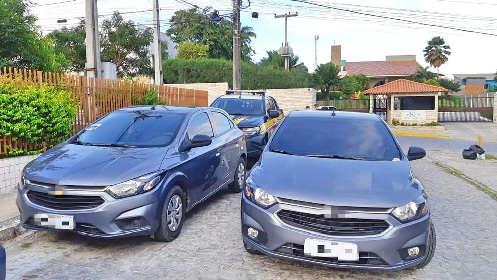 Carro clonado em Gravatá — Foto: Polícia Rodoviária Federal/Divulgação