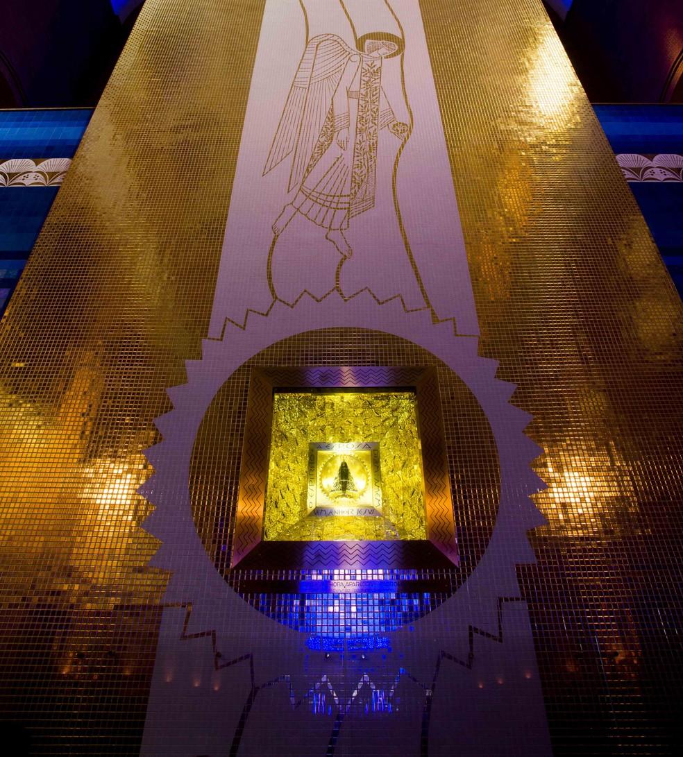 Nicho blindado abriga a imagem original de Nossa Senhora Aparecida — Foto: Thiago Leon/ Santuário Nacional de Aparecida