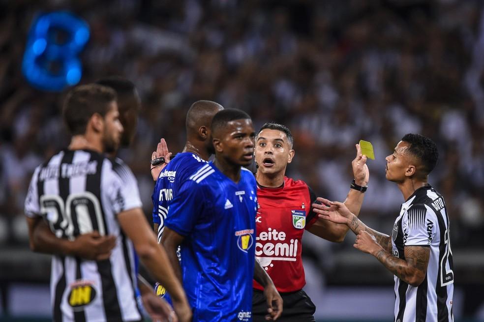 Jogo foi muito pegado e com provocações da torcida  — Foto: Estádio Mineirão