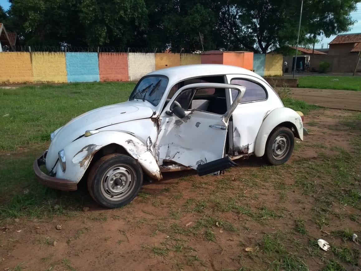 Motorista causa acidente e foge sem prestar socorro em Bariri