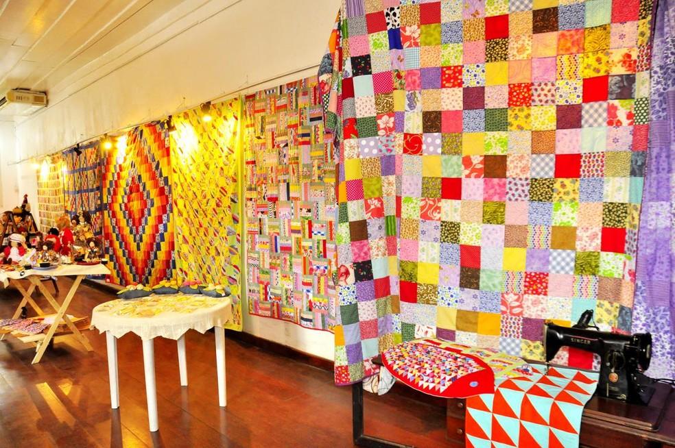 Exposição 'Colchas de Retalho e etc...' pode ser visitada em Angra ...
