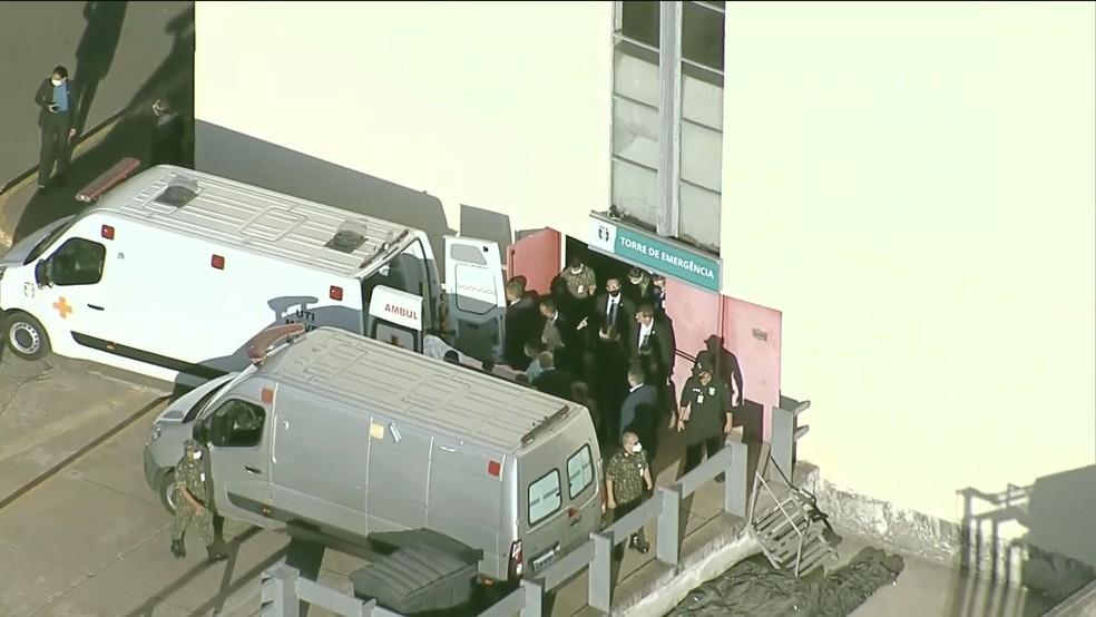 Bolsonaro deixa hospital — Foto: Reprodução/TV Globo