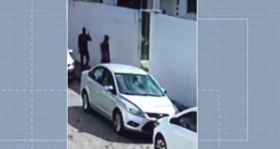Posto de saúde em Feira de Santana é assaltado nesta quarta-feira (18) — Foto: Reprodução/TV Subaé