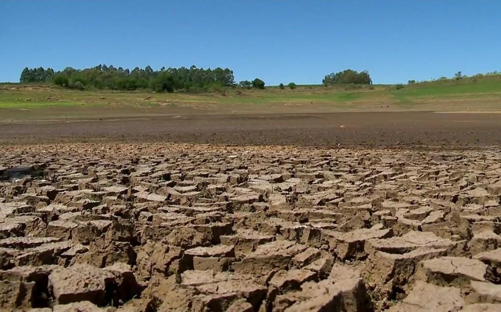 Falta de chuva afetou diversos municípios do Rio Grande do Sul (Foto: Reprodução/RBS TV)