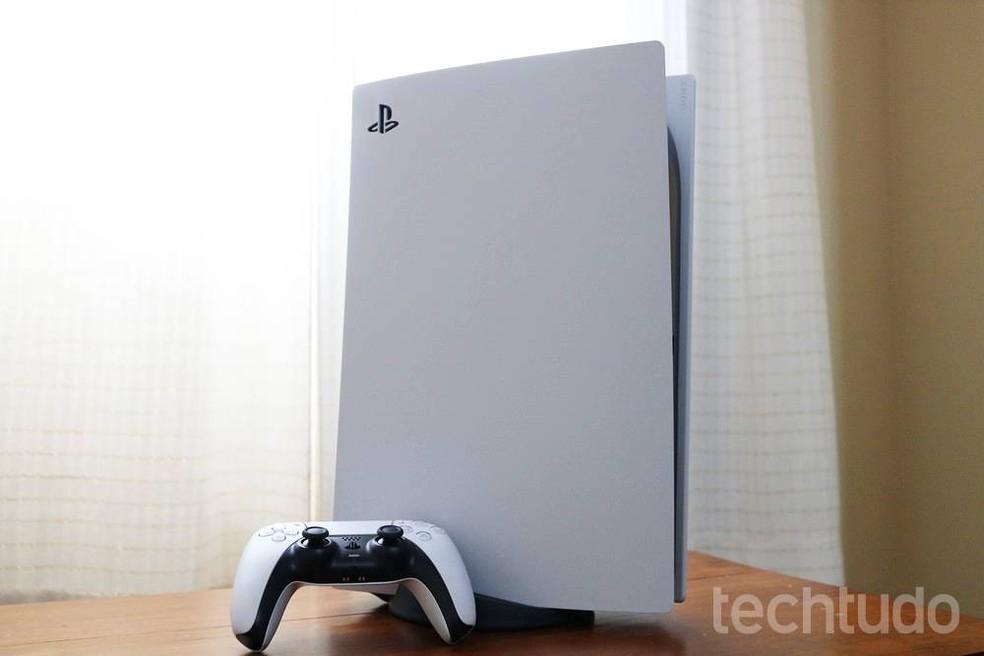 PlayStation 5 é grande pesado e chama a atenção — Foto: Fillipe Garret/TechTudo