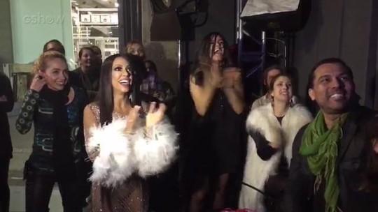 Samantha Schmütz e Emanuelle Araújo vibram com performance de Ícaro Silva