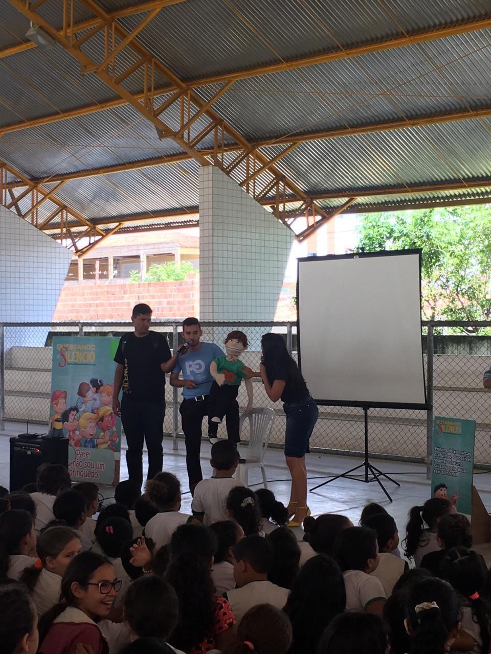 Campanha 'Quebrando o silêncio' é realizada em Caruaru - Notícias - Plantão Diário