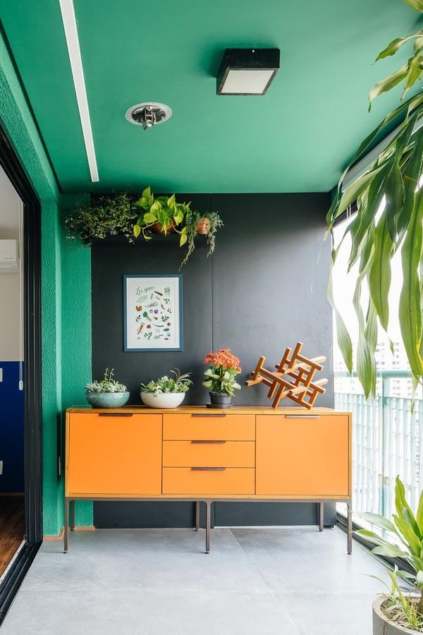Toque verde: 5 passos para instalar prateleiras com plantas e 10 projetos para se inspirar (Foto: Pedro Kok)