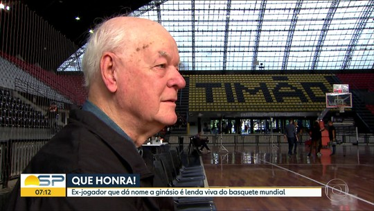 Wlamir Marques visita ginásio e dá sua bênção para o jogo 2 da final entre Paulistano e Mogi