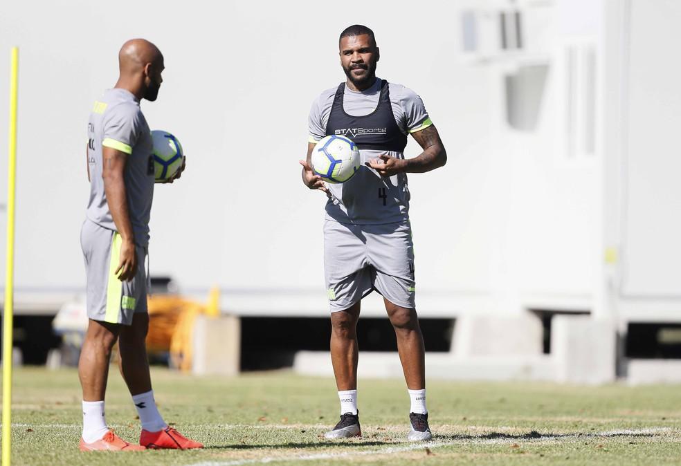 Fellipe Bastos e Breno não terão contratos renovados no Vasco — Foto: Rafael Ribeiro/Vasco.com.br