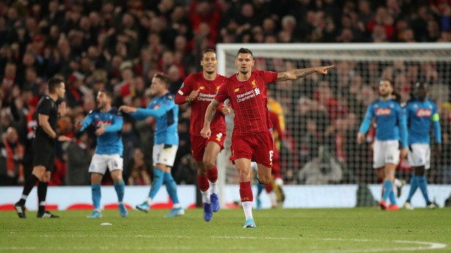 Lovren durante comemoração do gol de empate do Liverpool sobre o Napoli
