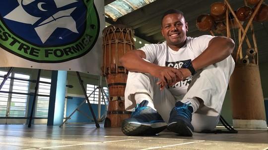 'Vida que Inspira': capoeirista transforma esporte em projeto social