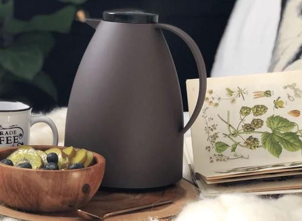 Truques simples aumentam a vida útil da garrafa térmica e garantem o café quentinho todo dia (Foto: Invicta/Reprodução)