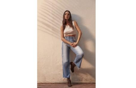 A atriz fechou uma parceria com a marca Dzarm Bruna Castanheiras/Dzarm