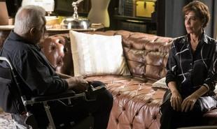 Na segunda-feira (18), Vera (Angela Vieira) convidará Alberto (Antonio Fagundes) para sair | TV Globo