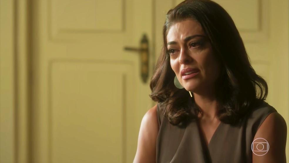 Carolina (Juliana Paes) descobre que Gabriel (Icaro Zulu) é soropositivo — Foto: TV Globo