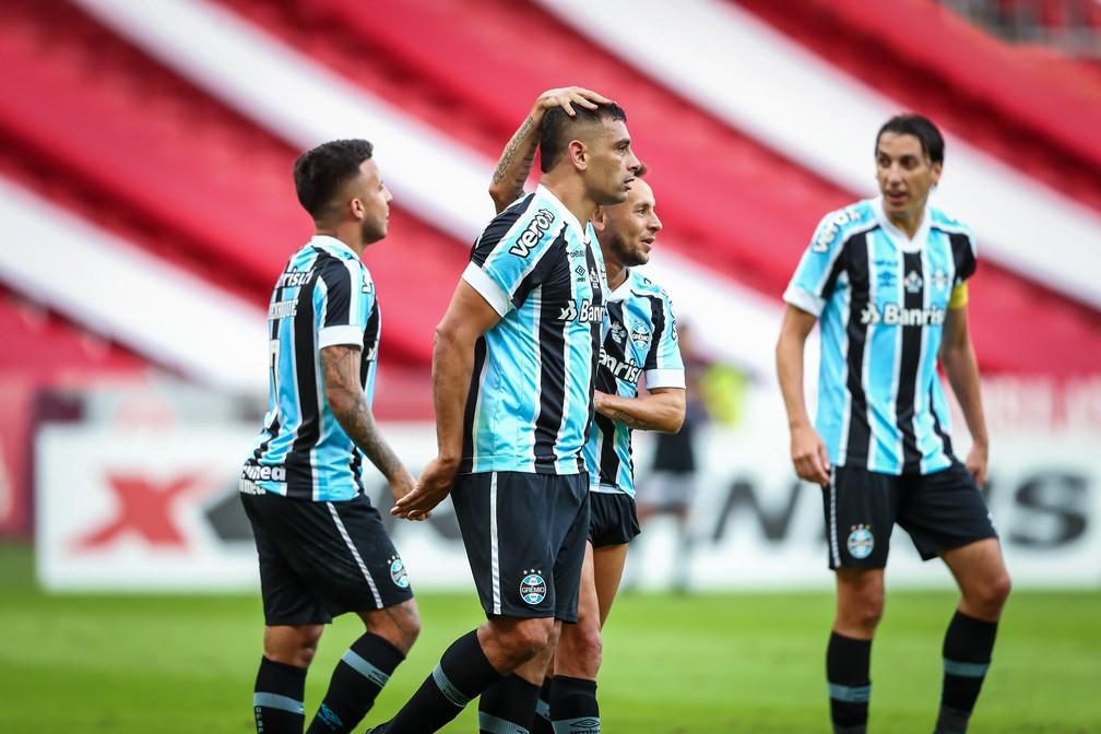 Diego Souza empatou o Gre-Nal com cabeçada certeira — Foto: Lucas Uebel/Divulgação Grêmio