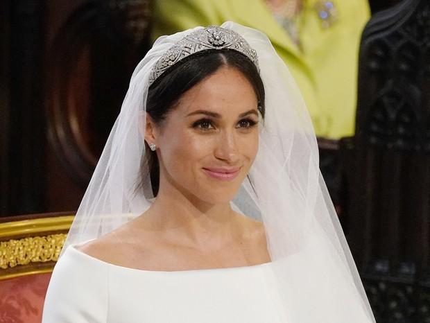 Meghan Markle usa Givenchy e tiara emprestada da rainha Mary (Foto: Getty Images)