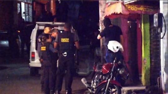 Moradores de comunidades do Rio sofrem com letalidade da polícia em operações e avanço de milícias