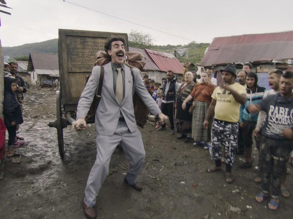 Sacha Baron Cohen em cena da sequência de 'Borat', que recebeu indicações ao Oscar — Foto: Divulgação