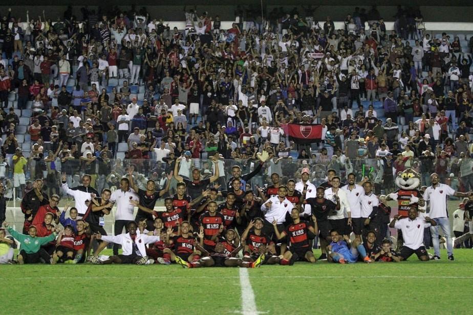 Trio do Corinthians e técnico de última hora: como o Oeste bateu gigantes e foi à semi da Copinha