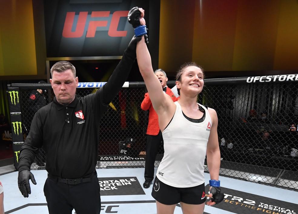 Alexa Grasso venceu Maycee Barber no co-evento principal do UFC 258 — Foto: Getty Images