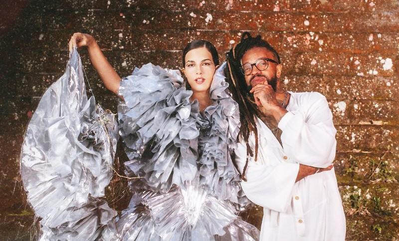 Céu lança álbum 'Acústico' e figura como convidada em single de Rael