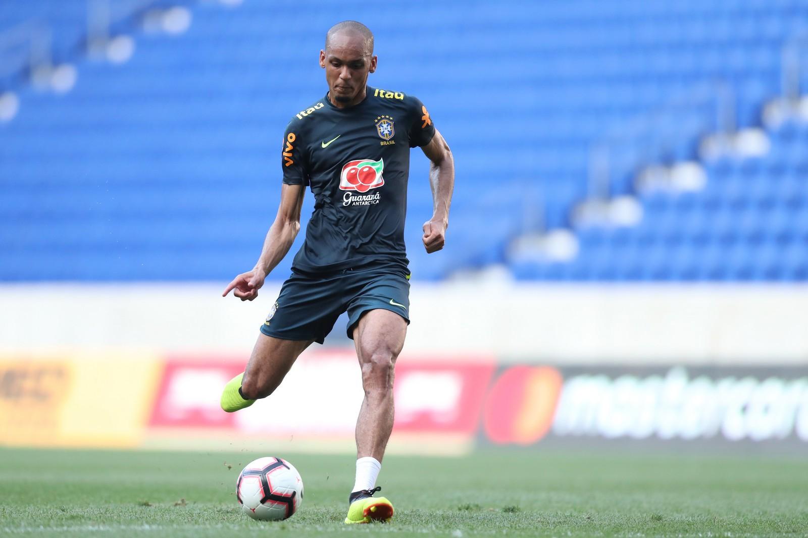 De volta à Seleção, Fabinho admite que mudança de posição lhe afastou da Copa